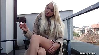 MAGMA FILM geile blondhaarige Deutsch  reibt ihr geile Muschi