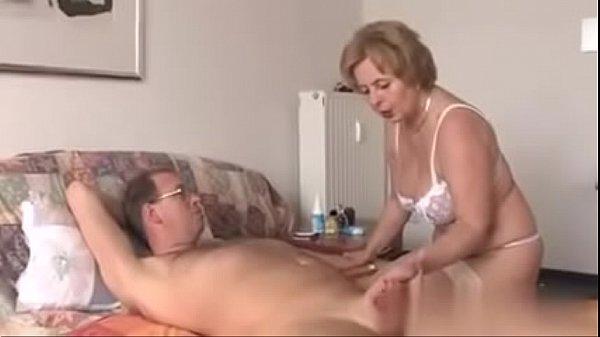 Frau bläst