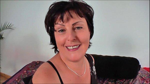 Reife deutsche Mutter wird gepflügt