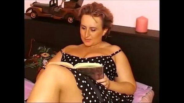 Busty Mama Pornovideos