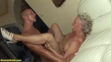 76 Jahre alter Oma Wildes benutzt