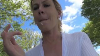 MILF Ehefrau frivoles Ficken im Freien