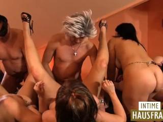 Alte Frauen Im Swingerclub